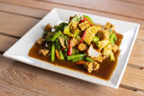 Phad Bai Kra Prouw Tofu